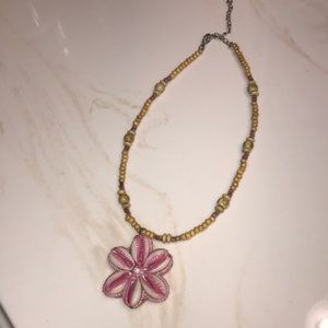 Adorable Floral Shell Necklace